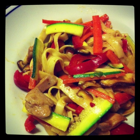 Stir-fried noodles with chicken and veggies is becoming my go-to pre-race meal (had it also before Foster City).
