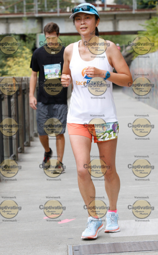 Getting close to the finish, with sunblock streaking down my neck (so attractive!).